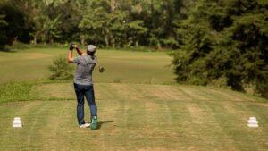 一番飛ぶ非公認ゴルフボールはこれだ