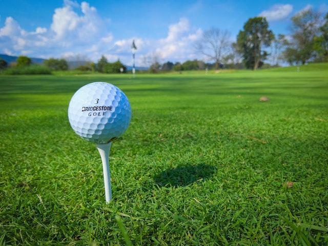 ゴルフボールの規格【大きさと重さ】