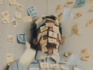 【年収が最下位】接客業でストレスが溜った人必見 5つの対処法とは