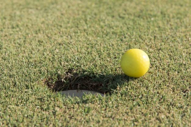 黄色・イエローのおすすめゴルフボール10選【プロも認める定番カラー】