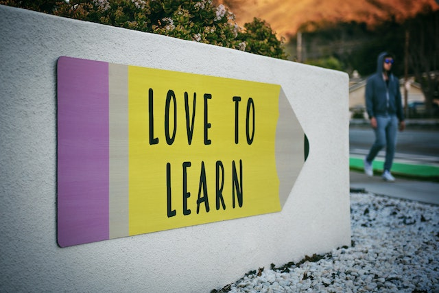 『接客業を通して学んだこと』を具体的に解説【アピールポイントまとめ】