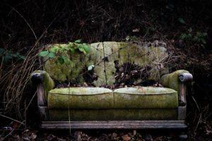 【保存版】ソファの処分方法4つ|廃棄費用・引き取り料金の相場とは